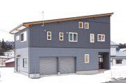 開放感あふれる二階リビング ガレージ一体型の家