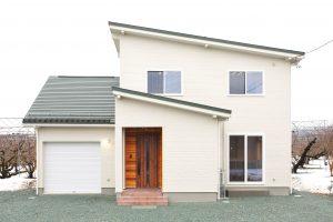 車庫上のスペースも有効活用 ガレージ一体型の家
