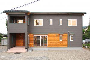 程良い距離感で心地よい住まい 二世帯住宅の家