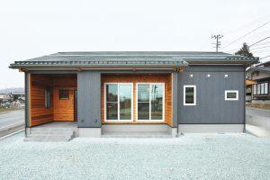 贅沢な家時間とゆっくり暮らす木の家 平屋の家