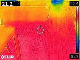 「あったか~い 木の家」室温測定しています。