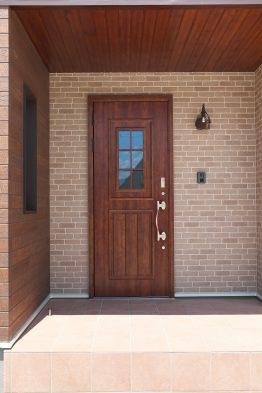 木香の家よりおすすめ商品のご紹介です!!「玄関ドア 編」
